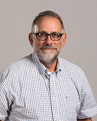 Image of faculty member, David McFadden