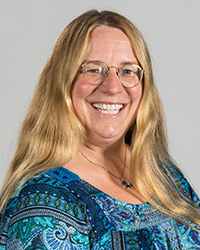 Image of faculty member, Linda Henkel
